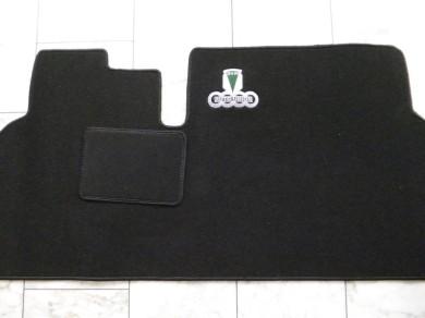 auto fussmatten fussmatten mit stickereien. Black Bedroom Furniture Sets. Home Design Ideas